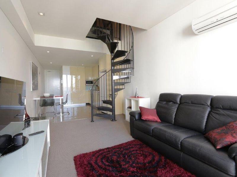 https://propertyphotos.vaultre.com.au/835/760998__reaimport-1568684557-347425-29093.jpg