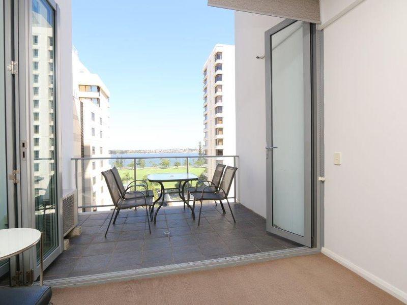 https://propertyphotos.vaultre.com.au/835/761000__reaimport-1568684558-347425-29093.jpg