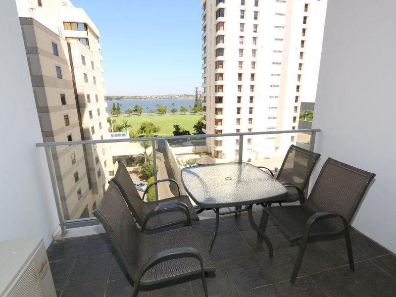 https://propertyphotos.vaultre.com.au/835/761001__reaimport-1568684558-347425-29093.jpg