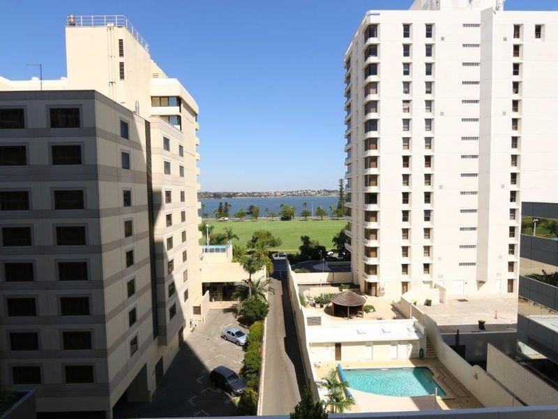 https://propertyphotos.vaultre.com.au/835/761003__reaimport-1568684559-347425-29093.jpg