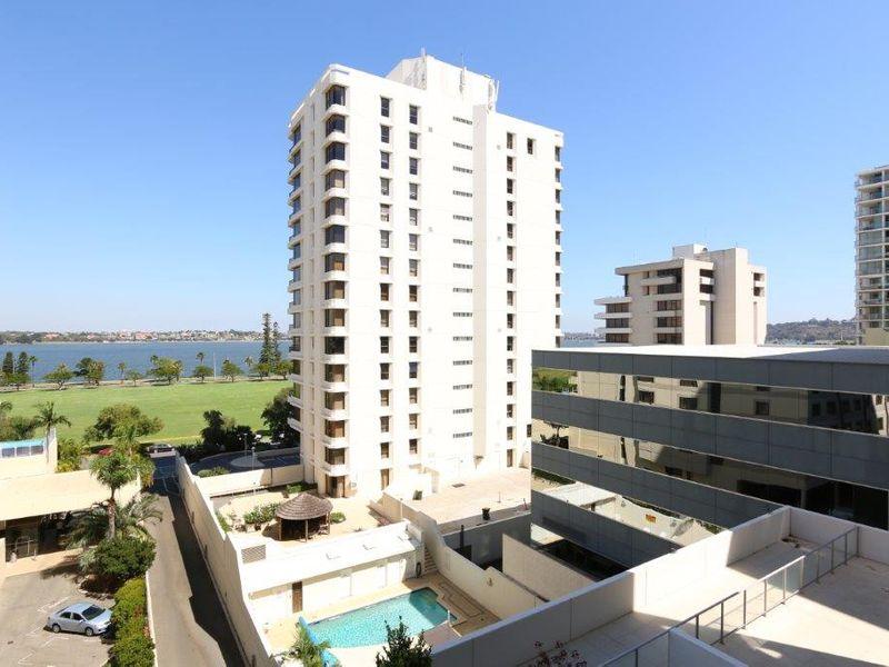 https://propertyphotos.vaultre.com.au/835/761005__reaimport-1568684560-347425-29093.jpg