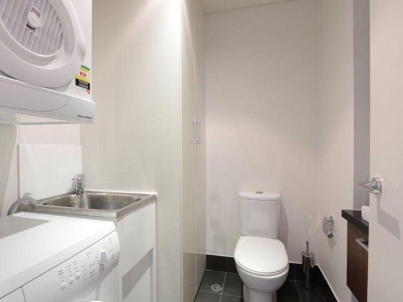 https://propertyphotos.vaultre.com.au/835/761006__reaimport-1568684560-347425-29093.jpg