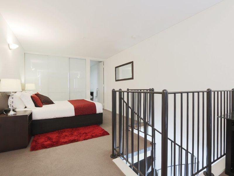 https://propertyphotos.vaultre.com.au/835/761007__reaimport-1568684560-347425-29093.jpg