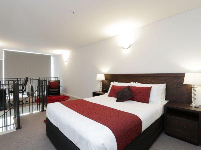https://propertyphotos.vaultre.com.au/835/761009__reaimport-1568684561-347425-29093.jpg