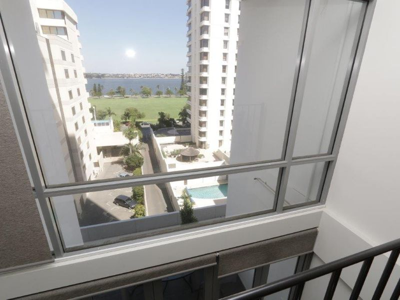 https://propertyphotos.vaultre.com.au/835/761013__reaimport-1568684562-347425-29093.jpg