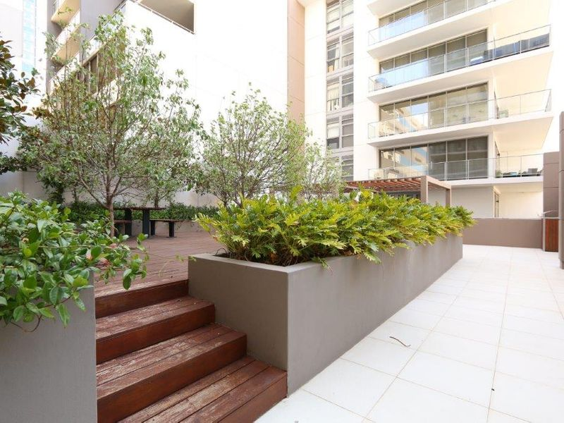 https://propertyphotos.vaultre.com.au/835/761016__reaimport-1568684563-347425-29093.jpg