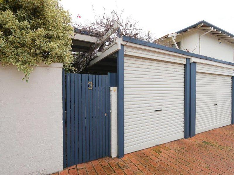 https://propertyphotos.vaultre.com.au/835/761064__reaimport-1568684583-347429-29097.jpg