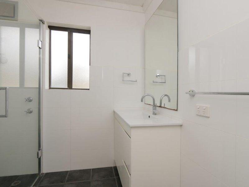 https://propertyphotos.vaultre.com.au/835/761080__reaimport-1568684587-347429-29097.jpg
