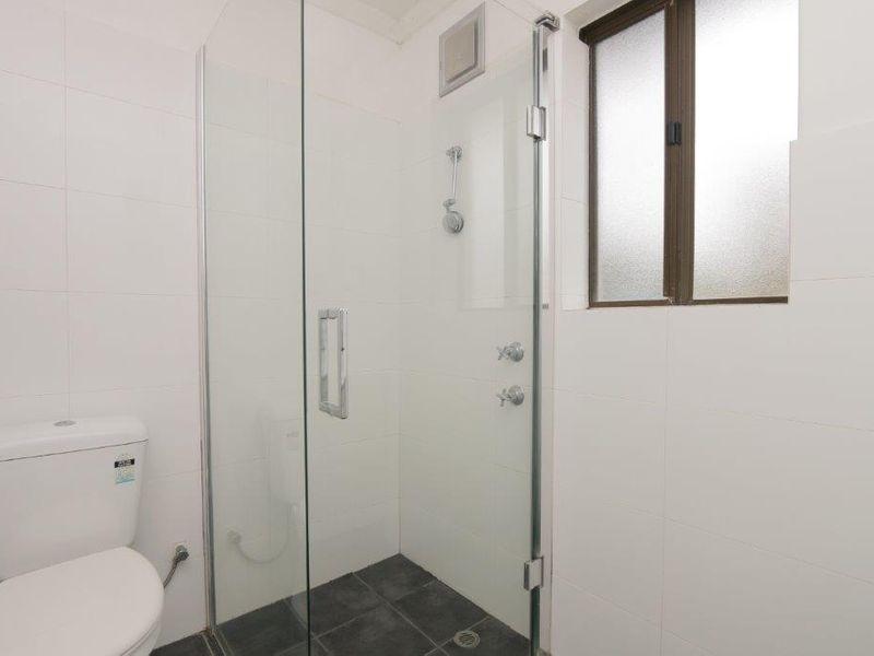 https://propertyphotos.vaultre.com.au/835/761081__reaimport-1568684588-347429-29097.jpg