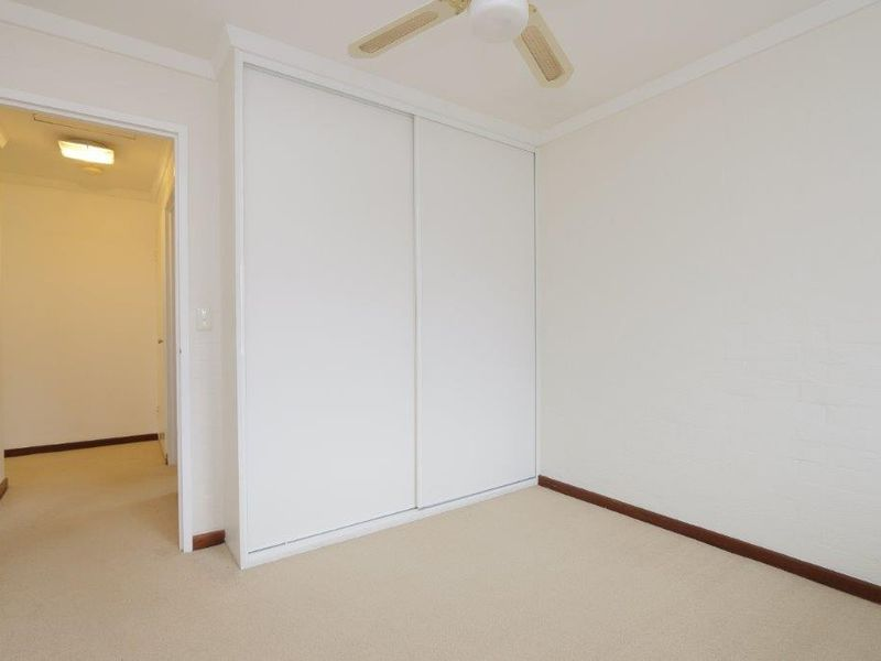 https://propertyphotos.vaultre.com.au/835/761083__reaimport-1568684588-347429-29097.jpg