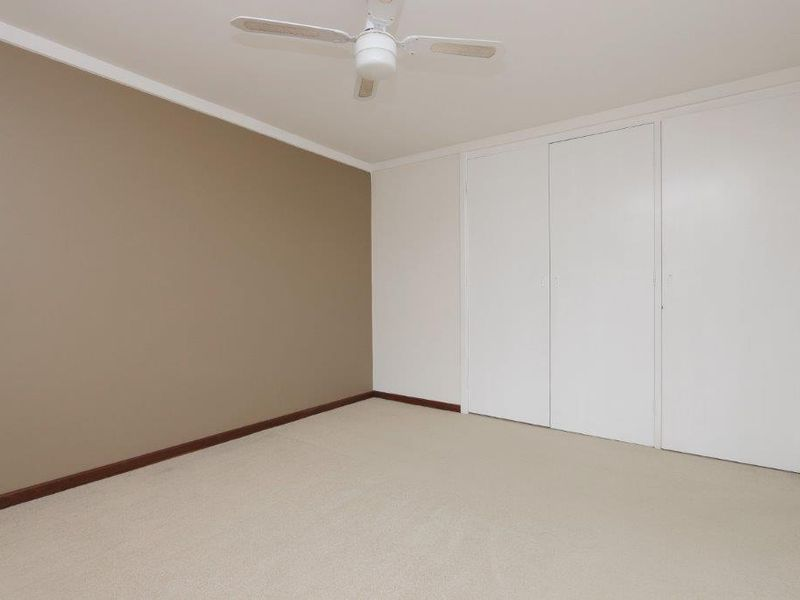 https://propertyphotos.vaultre.com.au/835/761085__reaimport-1568684589-347429-29097.jpg