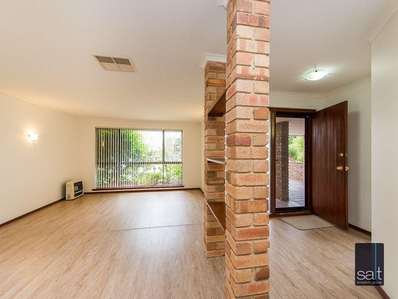 https://propertyphotos.vaultre.com.au/835/761134__reaimport-1568684610-347433-29101.jpg