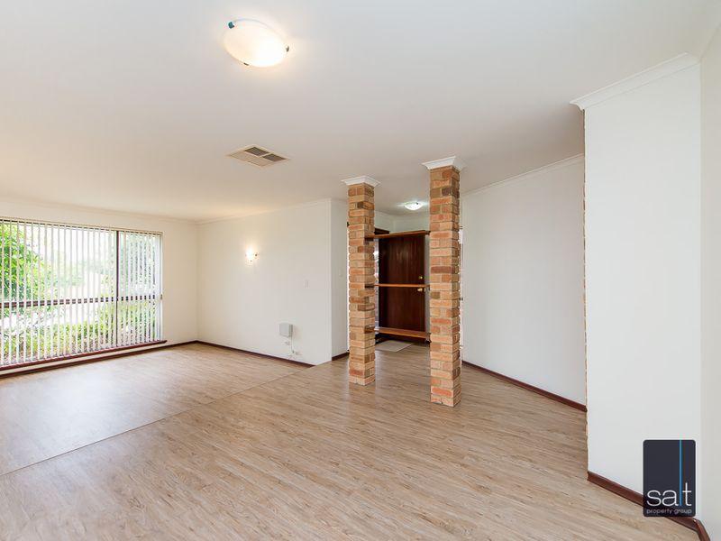 https://propertyphotos.vaultre.com.au/835/761135__reaimport-1568684610-347433-29101.jpg