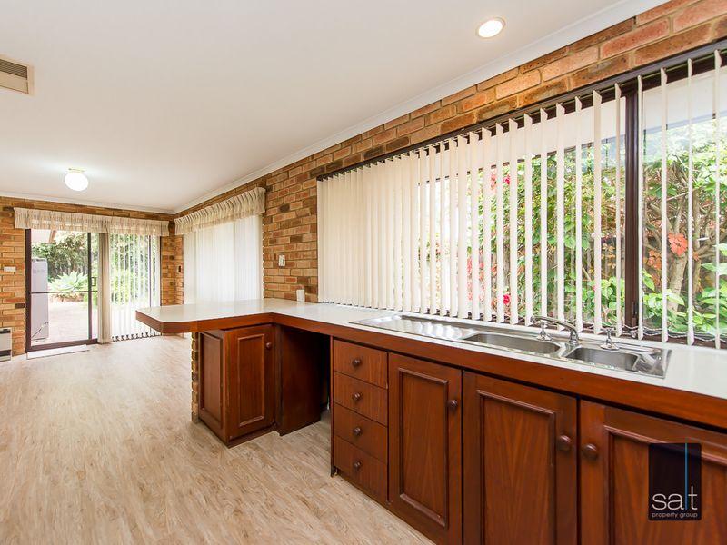 https://propertyphotos.vaultre.com.au/835/761139__reaimport-1568684611-347433-29101.jpg