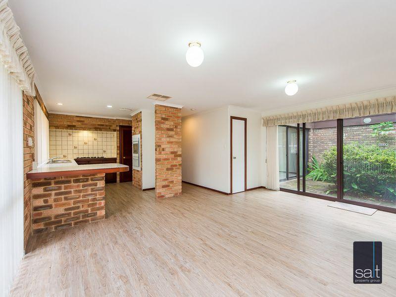 https://propertyphotos.vaultre.com.au/835/761140__reaimport-1568684611-347433-29101.jpg