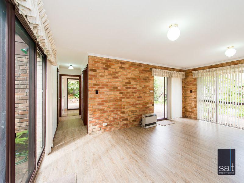 https://propertyphotos.vaultre.com.au/835/761141__reaimport-1568684612-347433-29101.jpg