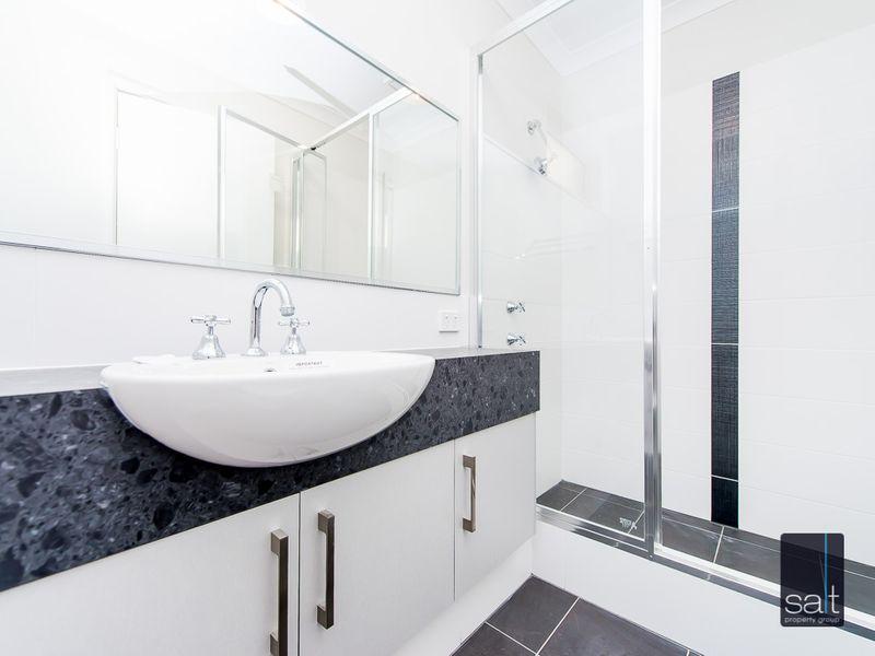 https://propertyphotos.vaultre.com.au/835/761206__reaimport-1568684635-347438-29106.jpg