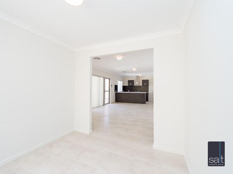 https://propertyphotos.vaultre.com.au/835/761207__reaimport-1568684636-347438-29106.jpg