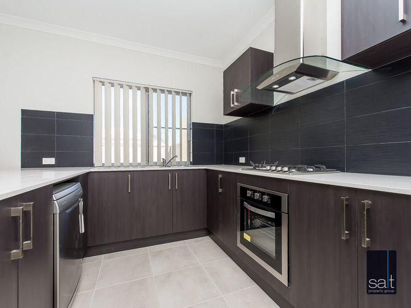 https://propertyphotos.vaultre.com.au/835/761208__reaimport-1568684636-347438-29106.jpg