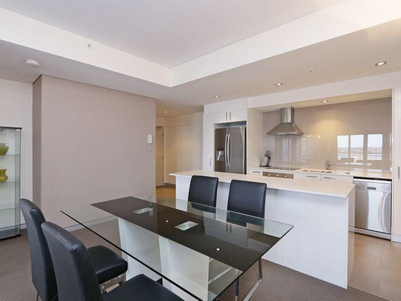 https://propertyphotos.vaultre.com.au/835/761307__reaimport-1568684674-347445-29113.jpg