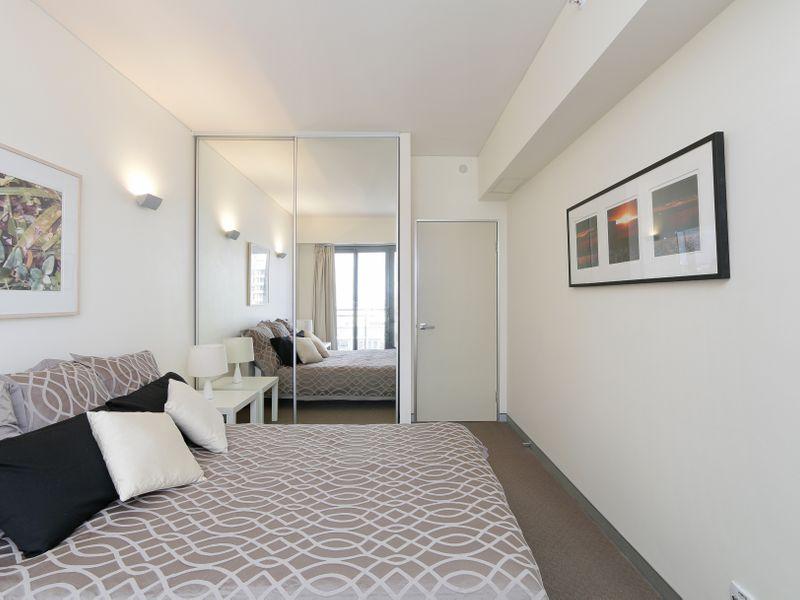 https://propertyphotos.vaultre.com.au/835/761312__reaimport-1568684677-347445-29113.jpg