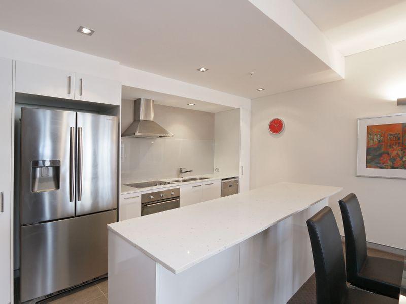 https://propertyphotos.vaultre.com.au/835/761320__reaimport-1568684681-347445-29113.jpg