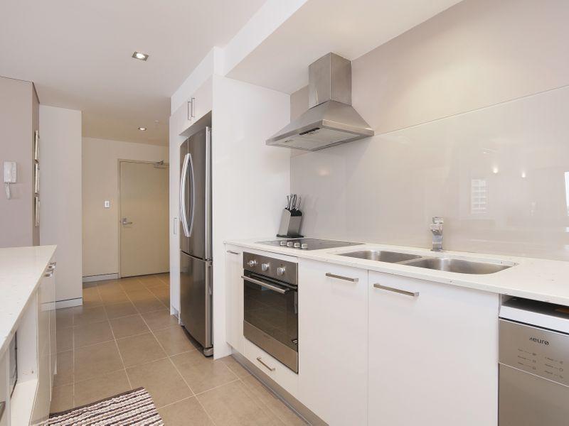 https://propertyphotos.vaultre.com.au/835/761321__reaimport-1568684681-347445-29113.jpg