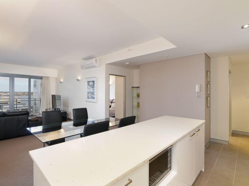 https://propertyphotos.vaultre.com.au/835/761323__reaimport-1568684682-347445-29113.jpg