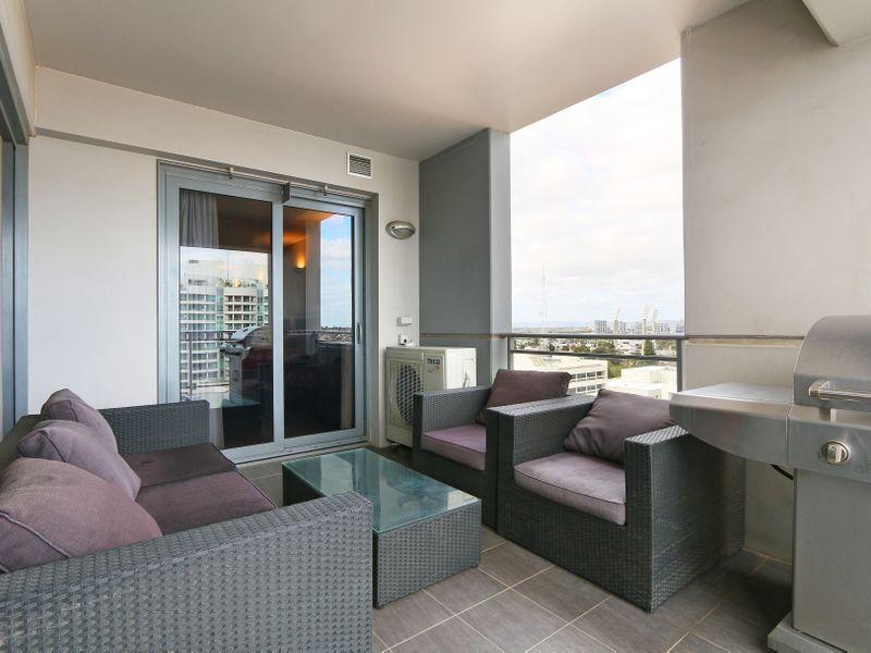 https://propertyphotos.vaultre.com.au/835/761325__reaimport-1568684683-347445-29113.jpg