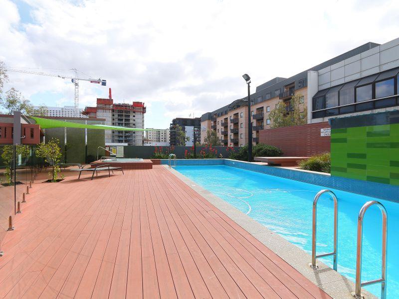 https://propertyphotos.vaultre.com.au/835/761335__reaimport-1568684688-347445-29113.jpg