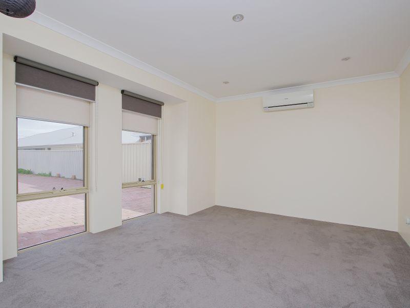 https://propertyphotos.vaultre.com.au/835/761584__reaimport-1568684772-347460-29128.jpg