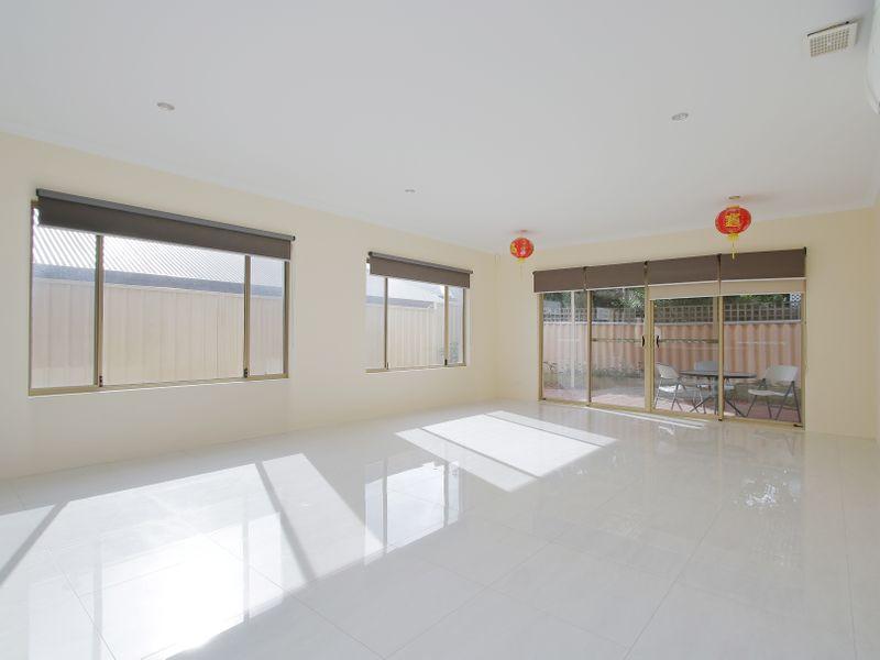 https://propertyphotos.vaultre.com.au/835/761586__reaimport-1568684773-347460-29128.jpg
