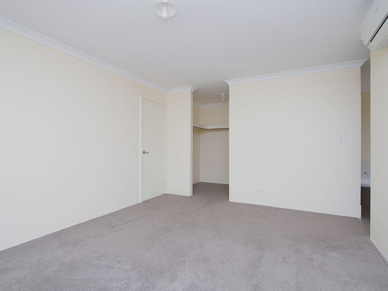 https://propertyphotos.vaultre.com.au/835/761591__reaimport-1568684776-347460-29128.jpg