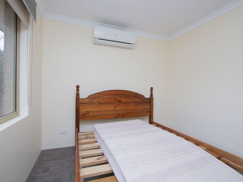 https://propertyphotos.vaultre.com.au/835/761595__reaimport-1568684779-347460-29128.jpg