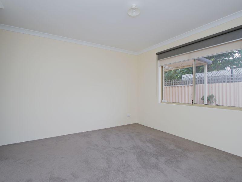 https://propertyphotos.vaultre.com.au/835/761596__reaimport-1568684779-347460-29128.jpg