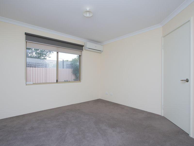 https://propertyphotos.vaultre.com.au/835/761598__reaimport-1568684780-347460-29128.jpg