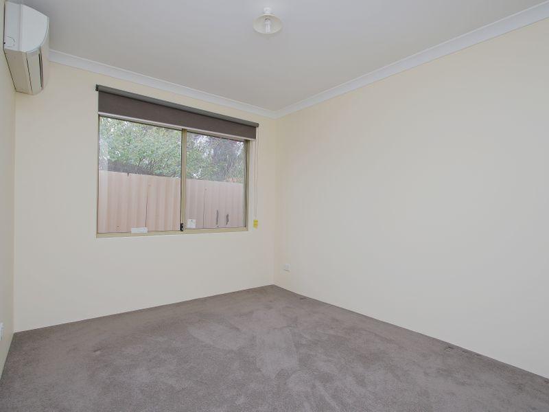 https://propertyphotos.vaultre.com.au/835/761606__reaimport-1568684783-347460-29128.jpg
