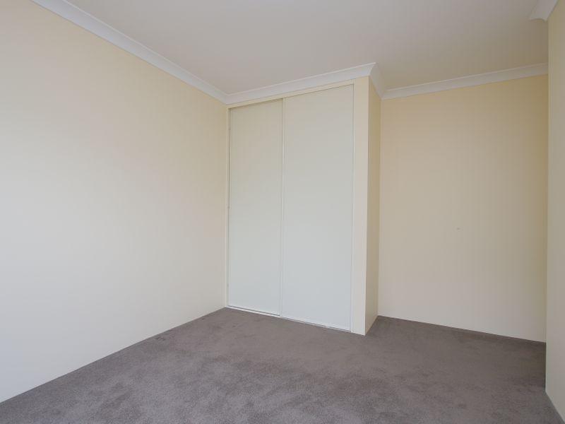 https://propertyphotos.vaultre.com.au/835/761607__reaimport-1568684784-347460-29128.jpg