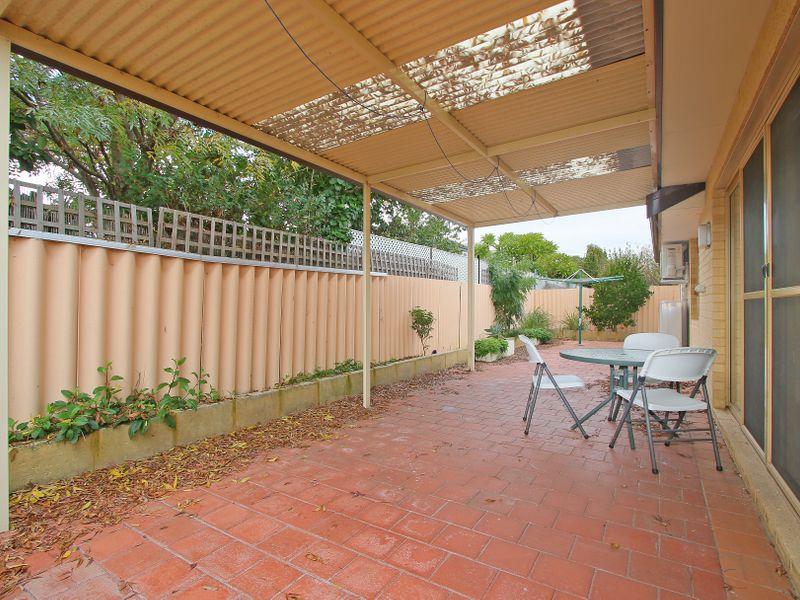 https://propertyphotos.vaultre.com.au/835/761611__reaimport-1568684785-347460-29128.jpg