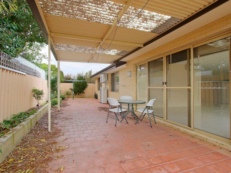 https://propertyphotos.vaultre.com.au/835/761613__reaimport-1568684786-347460-29128.jpg