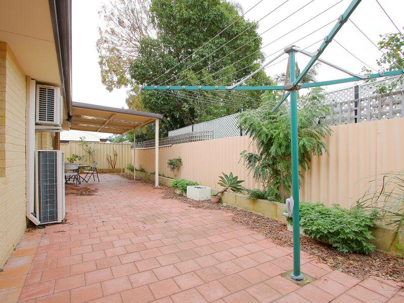 https://propertyphotos.vaultre.com.au/835/761615__reaimport-1568684786-347460-29128.jpg