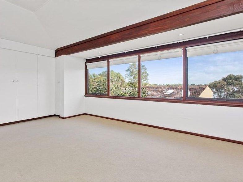 https://propertyphotos.vaultre.com.au/835/762001__reaimport-1568684920-347480-29147.jpg