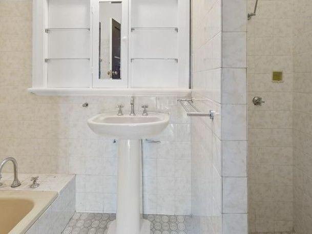 https://propertyphotos.vaultre.com.au/835/762004__reaimport-1568684921-347480-29147.jpg