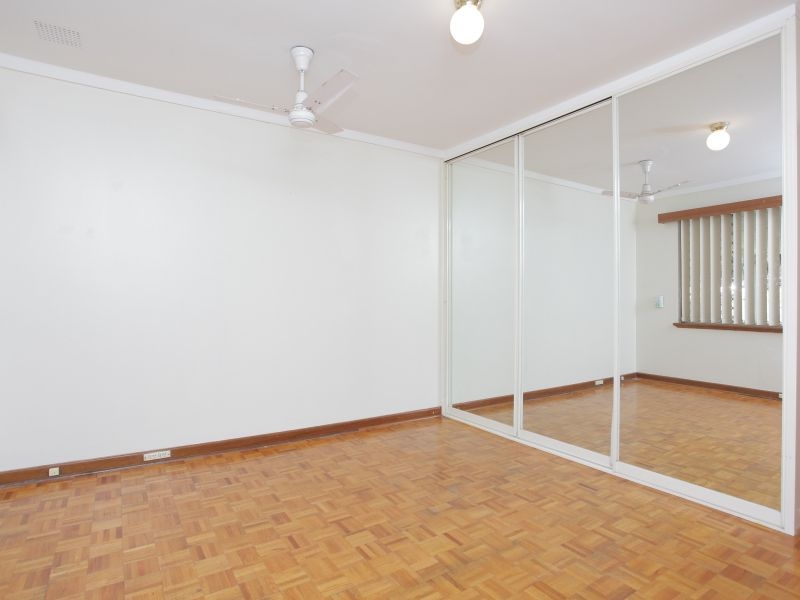 https://propertyphotos.vaultre.com.au/835/762011__reaimport-1568684923-347482-29148.jpg