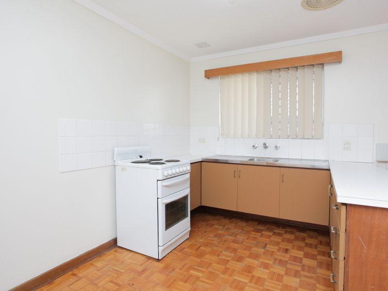 https://propertyphotos.vaultre.com.au/835/762014__reaimport-1568684924-347482-29148.jpg