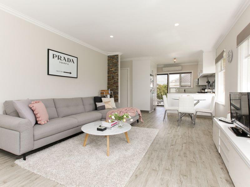 https://propertyphotos.vaultre.com.au/835/762018__reaimport-1568684925-347483-29149.jpg