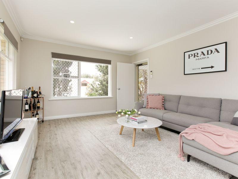https://propertyphotos.vaultre.com.au/835/762019__reaimport-1568684925-347483-29149.jpg