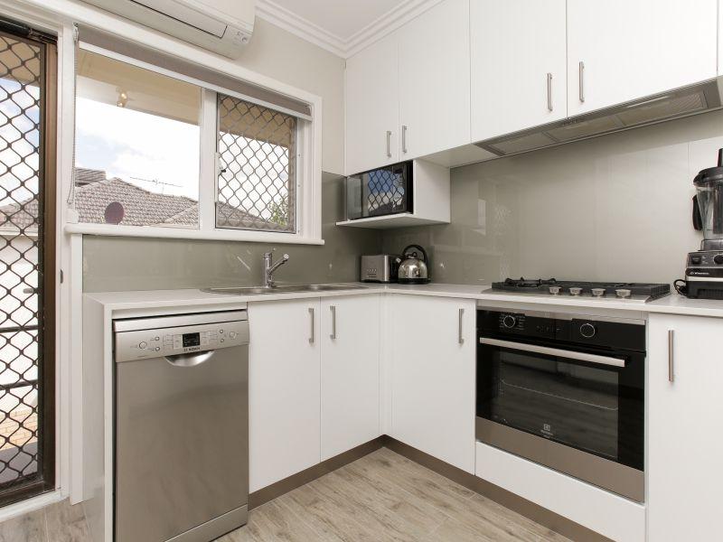 https://propertyphotos.vaultre.com.au/835/762022__reaimport-1568684926-347483-29149.jpg
