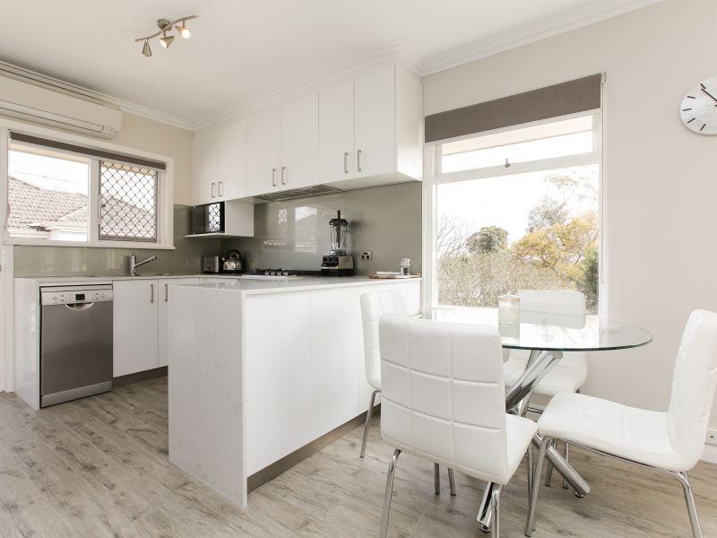 https://propertyphotos.vaultre.com.au/835/762023__reaimport-1568684927-347483-29149.jpg