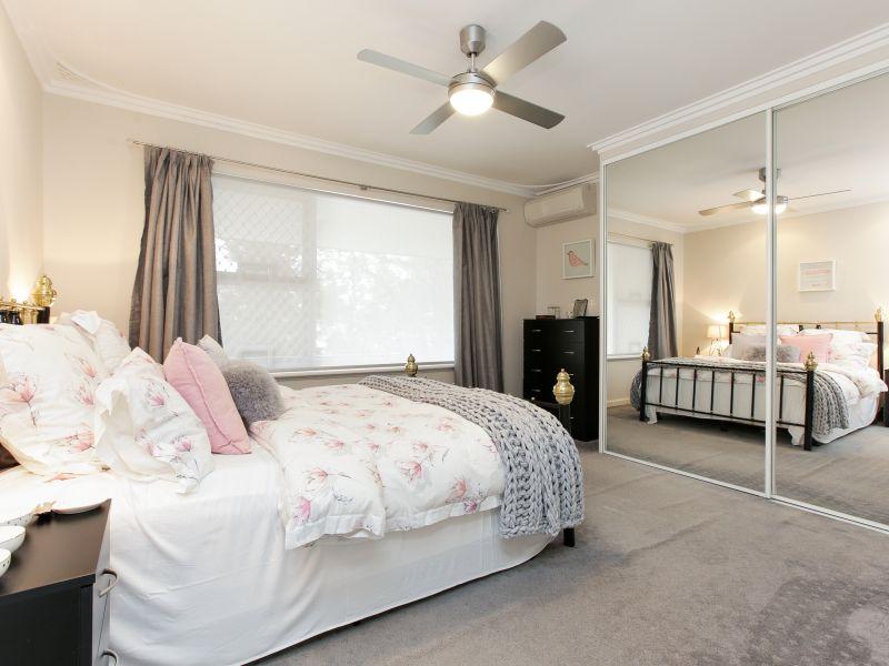 https://propertyphotos.vaultre.com.au/835/762025__reaimport-1568684927-347483-29149.jpg